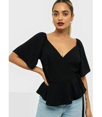 nly trend romantic wrap blouse festblusar
