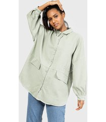 blusa missguided oversized pocket shirt co ord denim verde - calce oversize