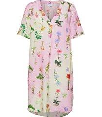 dress w. v-neck in flower garden pr knälång klänning multi/mönstrad coster copenhagen