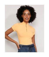 blusa feminina manga curta canelada com zíper de argola gola alta laranja 1