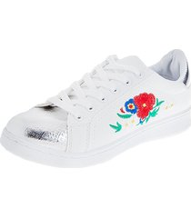 tenis para dama color blanco con bordados en flores y punta plateada