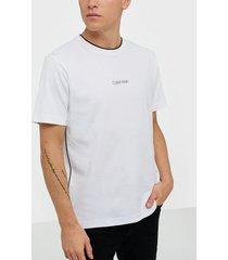 calvin klein compact small logo relax t-shirt t-shirts & linnen white