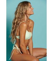 hanna schönberg x na-kd återvunnen bikinitopp med en axel - green