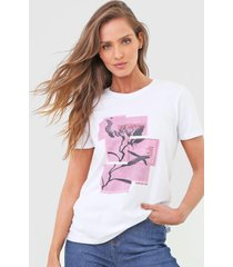 camiseta calvin klein jeans blossom branca