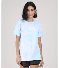 "blusa feminina ampla estampada tie dye ""blue"" manga curta decote redondo azul claro"