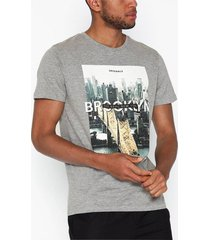 jack & jones jorcool city tee ss crew neck t-shirts & linnen ljus grå