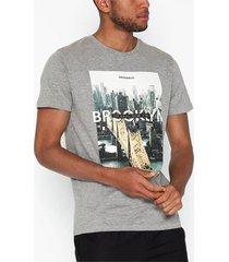 jack & jones jorcool city tee ss crew neck t-shirts & linnen ljus grå