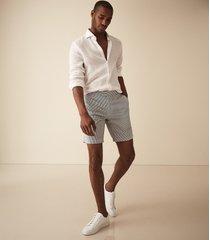 reiss jester - seersucker striped shorts in white/blue, mens, size 38