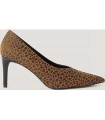 na-kd shoes spetsiga pumps med v-skärning - brown