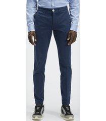 pantaloni chino slim fit