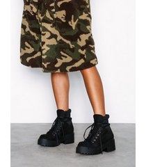 nly shoes sneaker sock boot flat boots