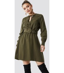 trendyol belt detailed midi dress - green