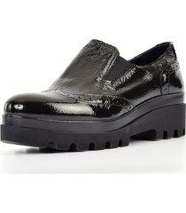 zapato cuero liso elástico laterales negro mailea
