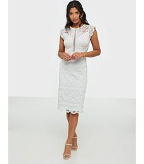 tfnc sia midi lace dress fodralklänningar