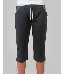 pantalón negro clon caprirus