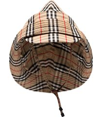 burberry vintage check rain hat - neutrals