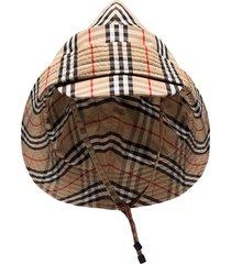 burberry vintage check rain hat - neutrals