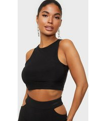 nly one high neck crop top linnen