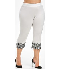 plus size lace applique capri leggings
