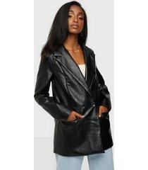 missguided faux leather oversized blazer kavajer