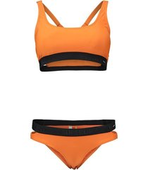 bikiniset bora oranje