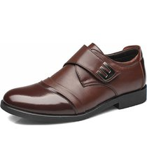 uomo scarpe classiche in pelle con chiusura a velcro di stile business e casual