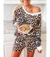 traje de dos piezas de manga larga con cuello redondo de leopardo