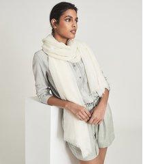 reiss heidi - wool cashmere lightweight scarf in ecru, womens