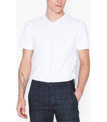 selected homme slhnewpima ss v-neck tee b noos t-shirts & linnen vit