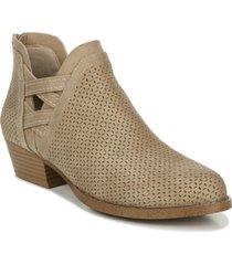 fergalicious erikka booties women's shoes