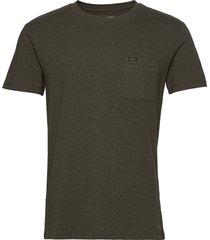ultimate pocket tee t-shirts short-sleeved grön lee jeans