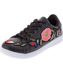tenis para dama color negro con bordados en flores sobrepuestos