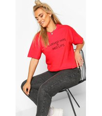 plus curved hips & red lips slogan t-shirt, red