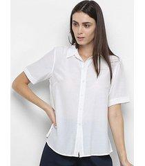 camisa adooro! lisa viscolinho manga curta feminina