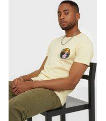 solid t-shirt - kayne ss t-shirts & linnen sand