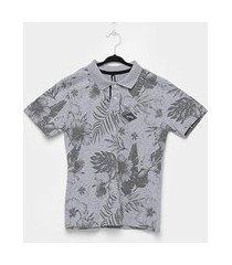 camiseta fatal especial geométrica masculina