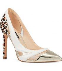 zapato tamika dorado mujer nine west