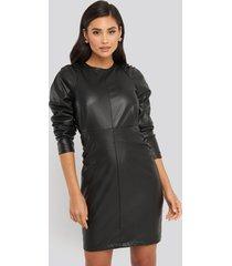 na-kd trend puff sleeve soft pu dress - black