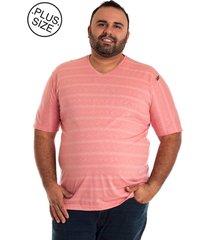 camiseta decote v plus size rosa