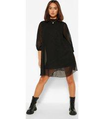 gesmokte jurk van dobby mesh met hoge hals en pofmouwen, zwart