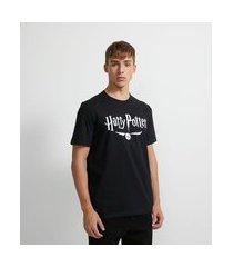 camiseta manga curta em algodão estampa harry potter pomo de ouro que brilha no escuro - plus size | harry potter | preto | gg