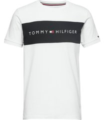 cn ss tee logo flag t-shirts short-sleeved vit tommy hilfiger
