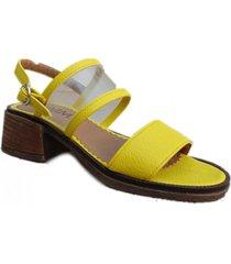 sandalia amarilla omm lizy