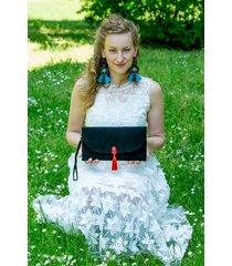 czarna torebka kopertówka do ręki wesele