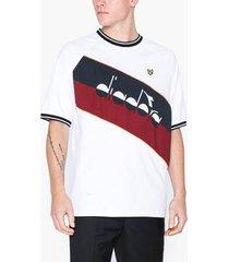 lyle & scott printed colourblock t-shirt t-shirts & linnen white