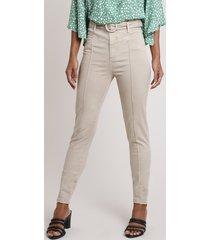 calça de sarja feminina sawary skinny cintura alta com nervuras e cinto kaki claro