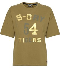military narrative boxy tee t-shirts & tops short-sleeved grön superdry