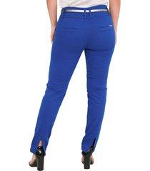 pantalón bota tubo con abertura en bota trasera azul rey 5004