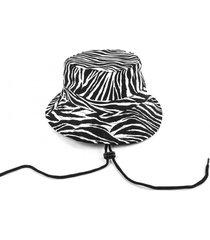 sombrero negro kabra kuervo borat