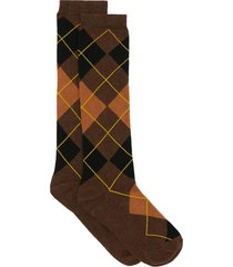 burberry monogram-embroidered argyle socks - brown